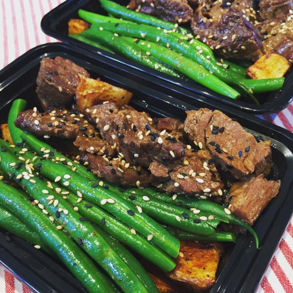 Gourmet weekly meal delivery lady luck catering our gourmet weekly meal delivery is not only a convenient and smart way to eat well but is a huge help to families and busy professionals who do not have forumfinder Gallery